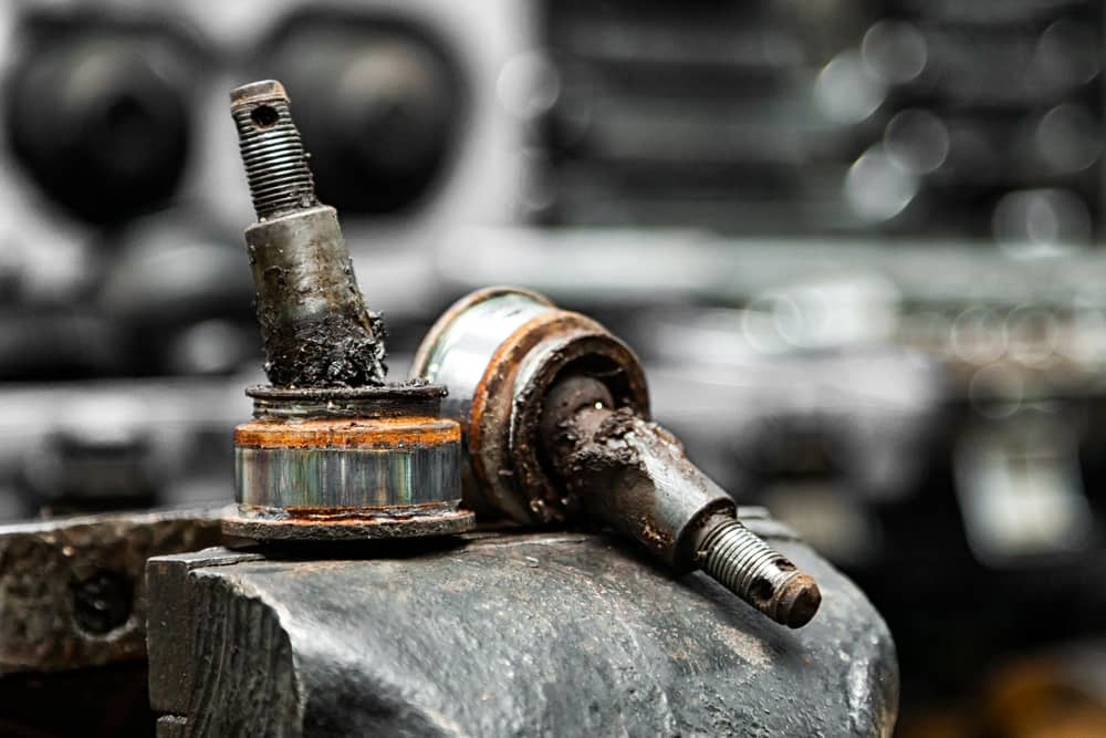 How to find out Symptoms of bad ball joints