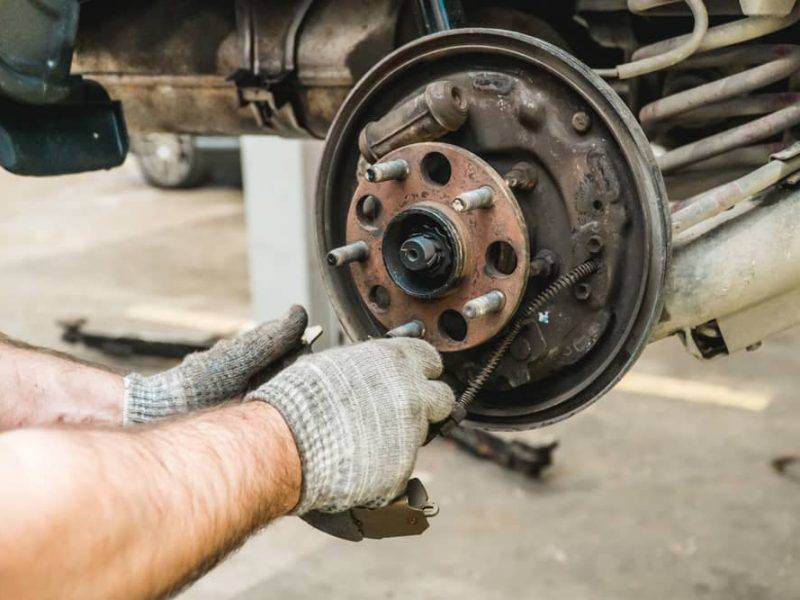 Learn: how to change front brake pads on dodge ram 2500