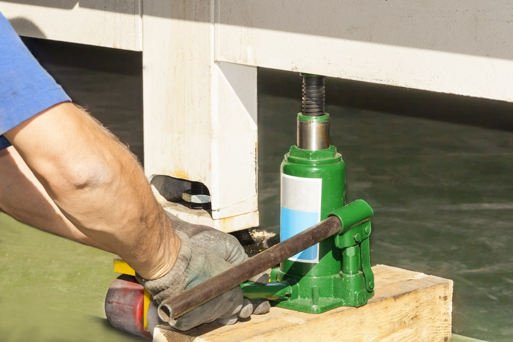 Learning guide of how to repair a floor jack that won't hold pressure